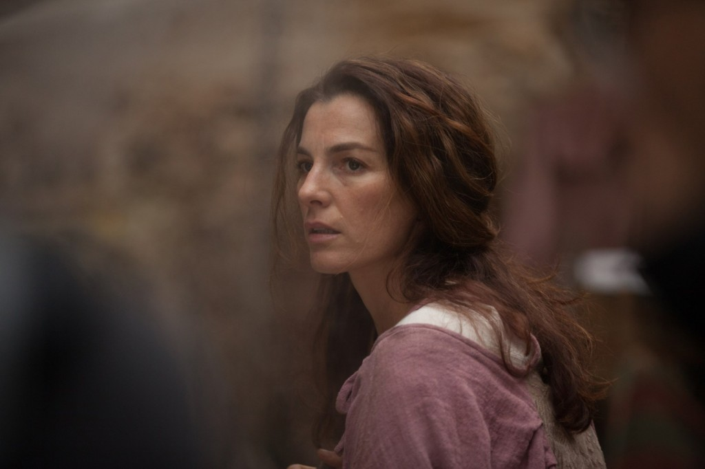 Ayelet ZURER interprète Naomie, épouse de Raiden