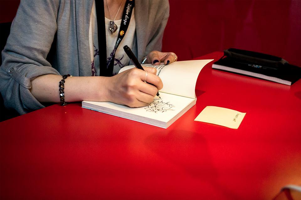 LINCO en dédicace à Japan Expo (photo Glénat)