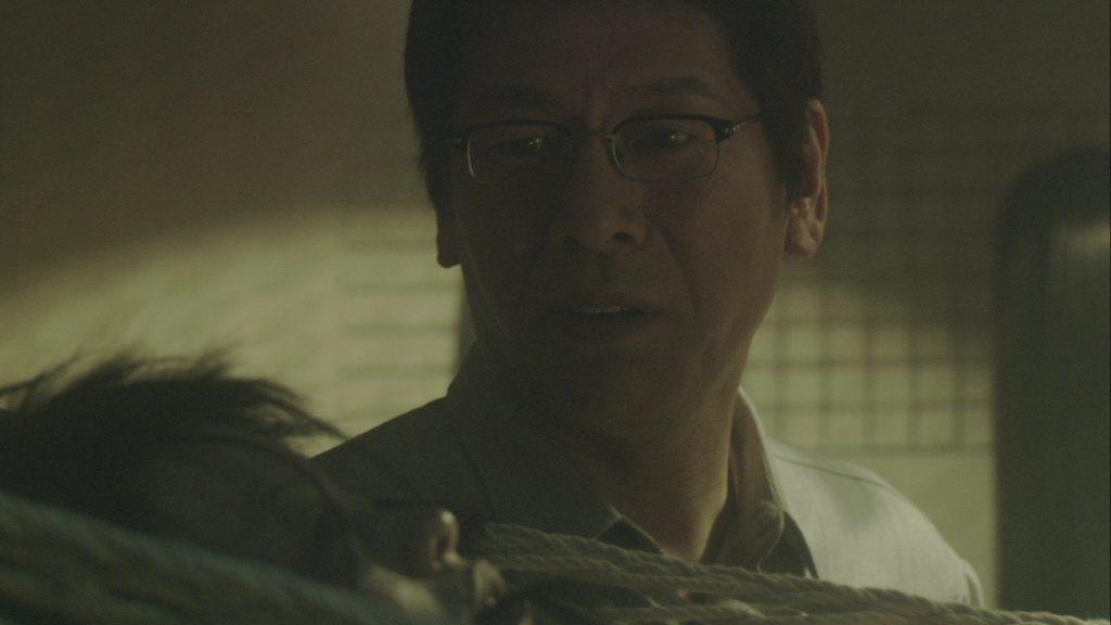 Ren OSUGI a trouvé son âme sœur : un cadavre aux cheveux incontrôlables.