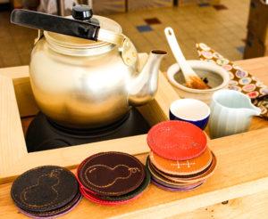 Service à thé et dessous de verre au motif de coloquinte