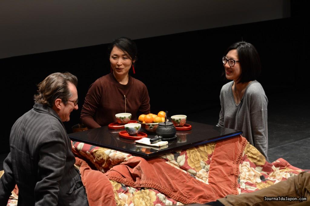 Junko KAWAKAMI, Misato Kakizaki-Raillard et Patrick Honnoré, autour d'un kotatsu