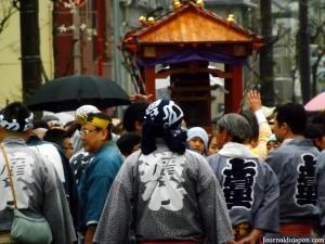 La procession avec le pénis de fer