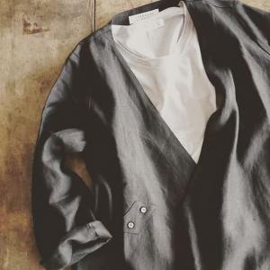 Un vêtement SRAXJIJI © Instagrame Nagi