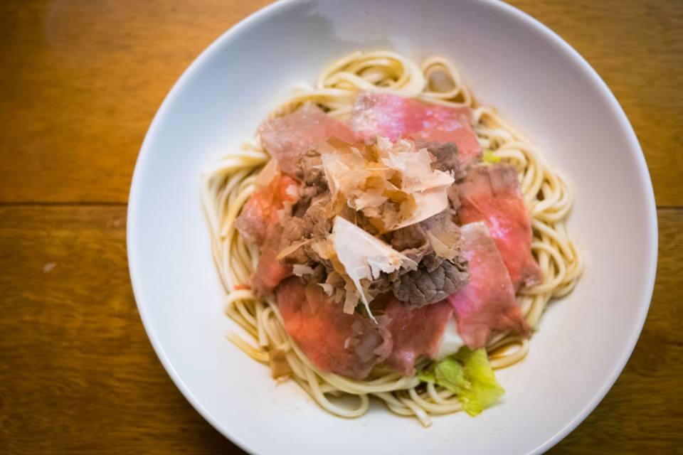 Nouilles udon tièdes, au bukkaké.