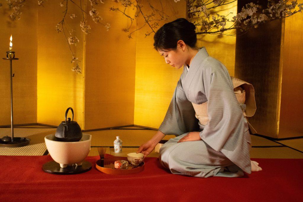 Cérémonie du thé à Kyoto - Photo de Roméo A. (Unsplash)