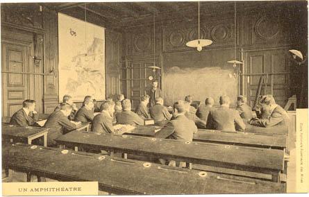 Salle de cours de l'Ecole des Mines à la fin du XIXe siècle
