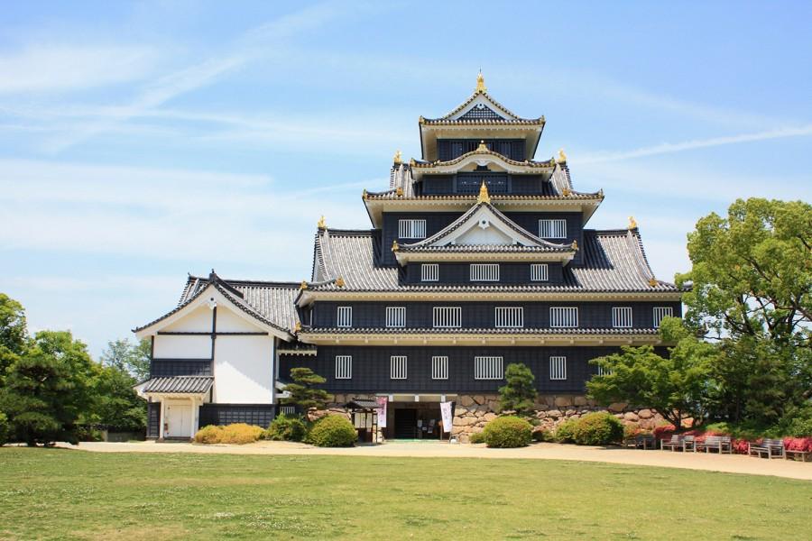 Le château d'Okyama . Source : okayama-japan.jp