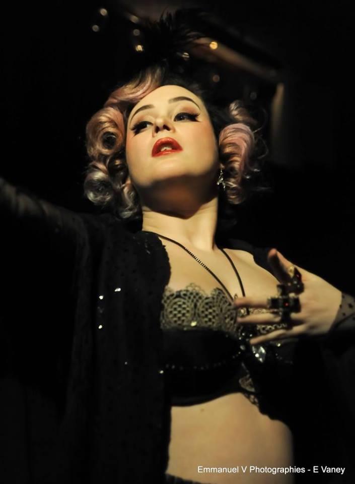 Popette, aussi artiste burlesque