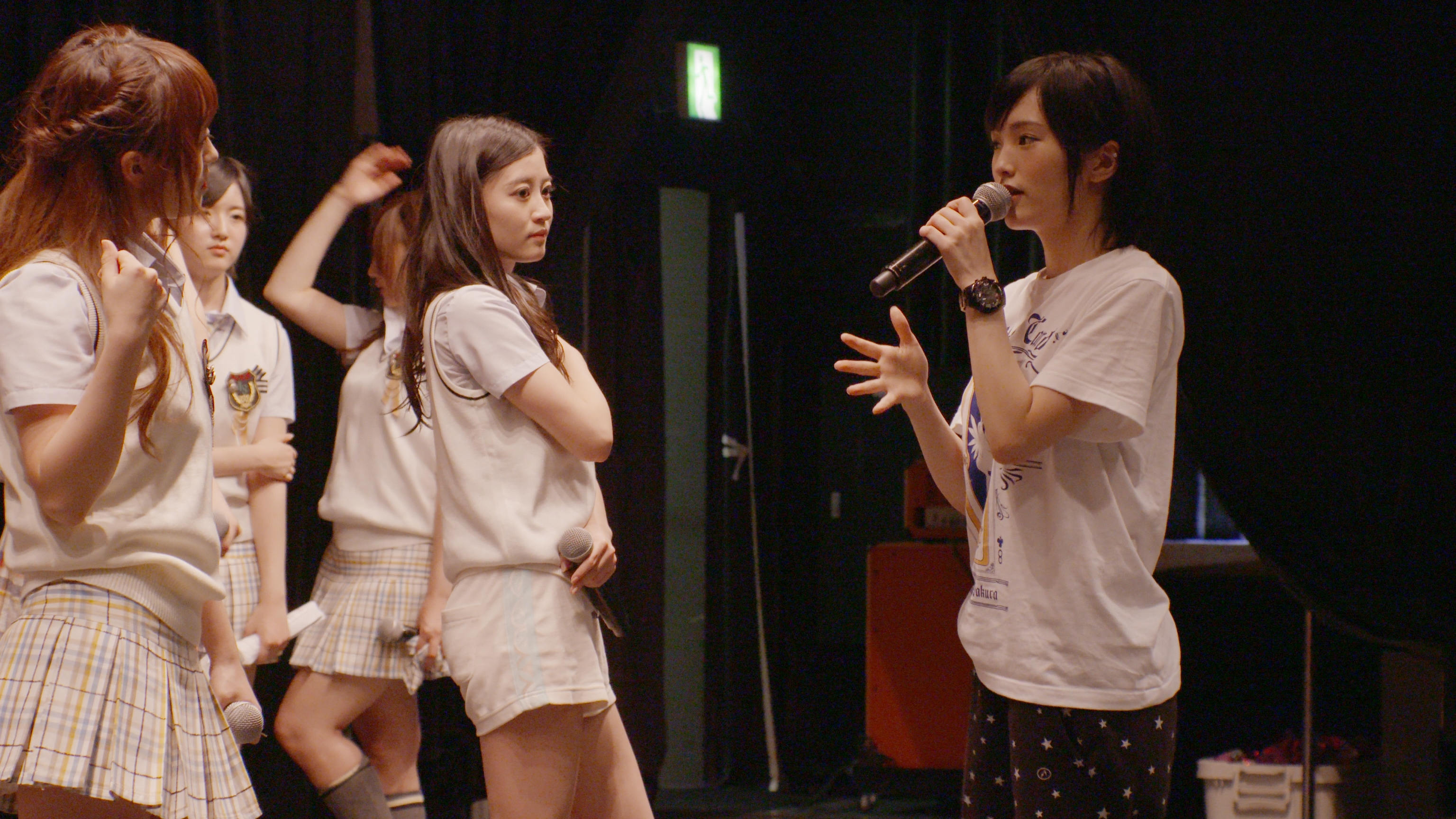 Raise Your Arms and Twist Documentary of NMB48 - Extrait. Toho/NHK entreprises