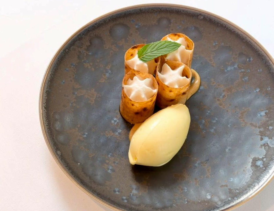 Assiette du chef Takayuki NAMEURA du restaurant Montée à Paris