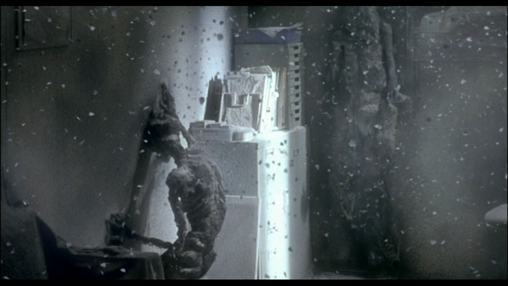 Fantômes d'Hiroshima dans Kaïro, 2001 ©Nippon television network