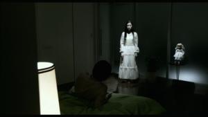 La femme filmée comme une apparition dans Shokuzai, 2013 ©WOWOW