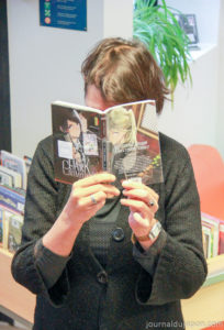 Club Manga Caen : Deborah Sahki, en pleine lecture !