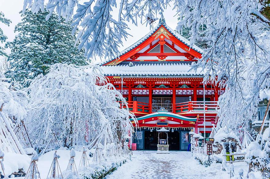 Temple Natadera en hiver ©Reddit