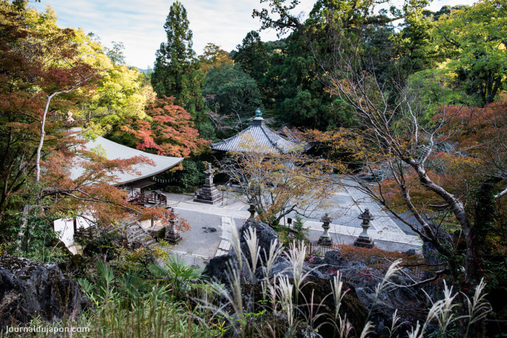 Le Ishiyama Dera et sa nature luxuriante.