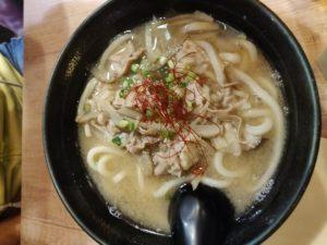 Un plat d'udon chez Sanukiya