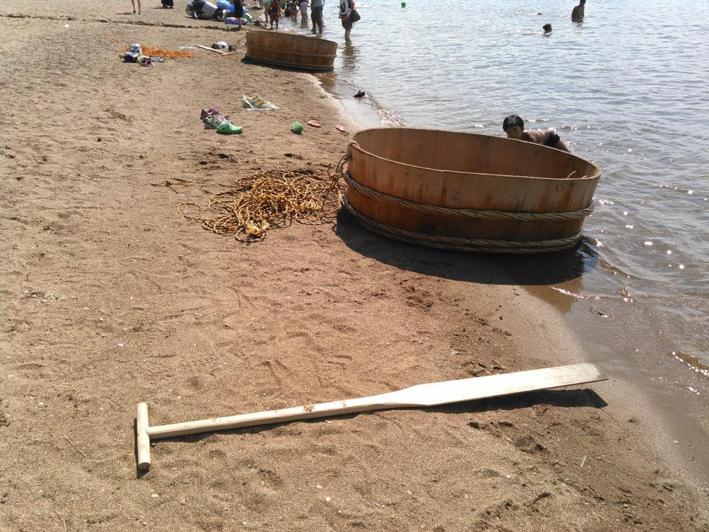 Les bateaux cuvettes de l'île de Sado