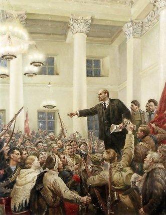 Lénine au 2e Congrès des Soviets le 26 octobre 1917 à Petrograd