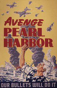 """Affiche de propagande """"« Vengez Pearl Harbor ». Plus bas « Nos balles le feront »."""