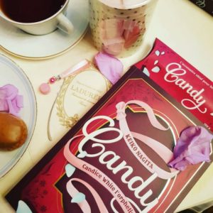 Le roman de Candy chez Ladurée
