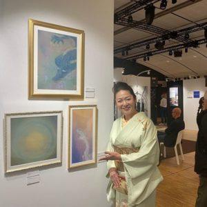 Chie YAZAKI avec 3 de ses oeuvres au salon Art Shopping