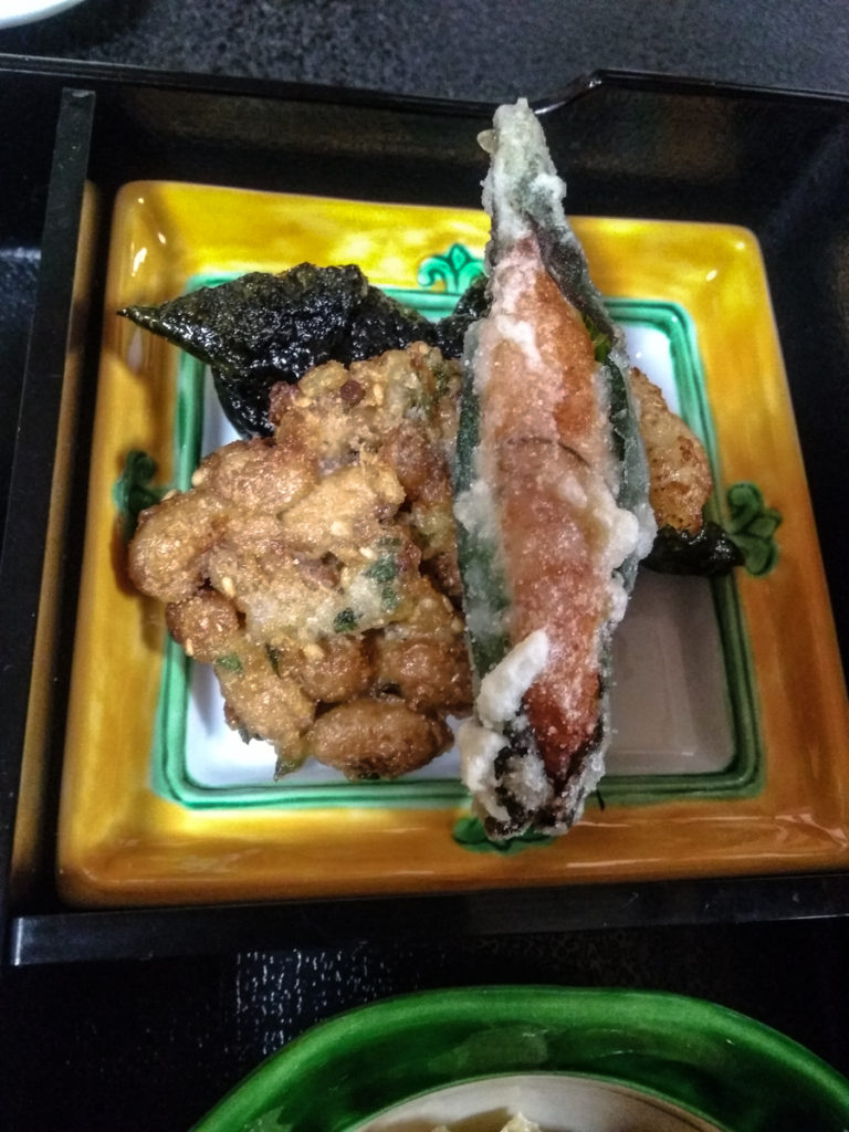 L'excellente cuisine de Kakurinbo utilise le yuba de mille façons.