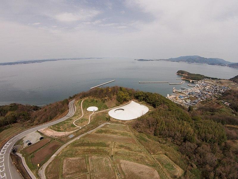 Teshima_Art_Museum_-_panoramio