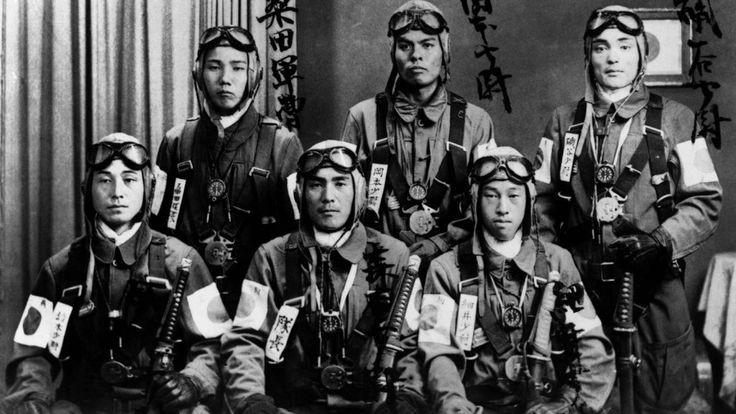 Jeunes pilotes japonais Tokkōtai (unité d'attaque spéciale)