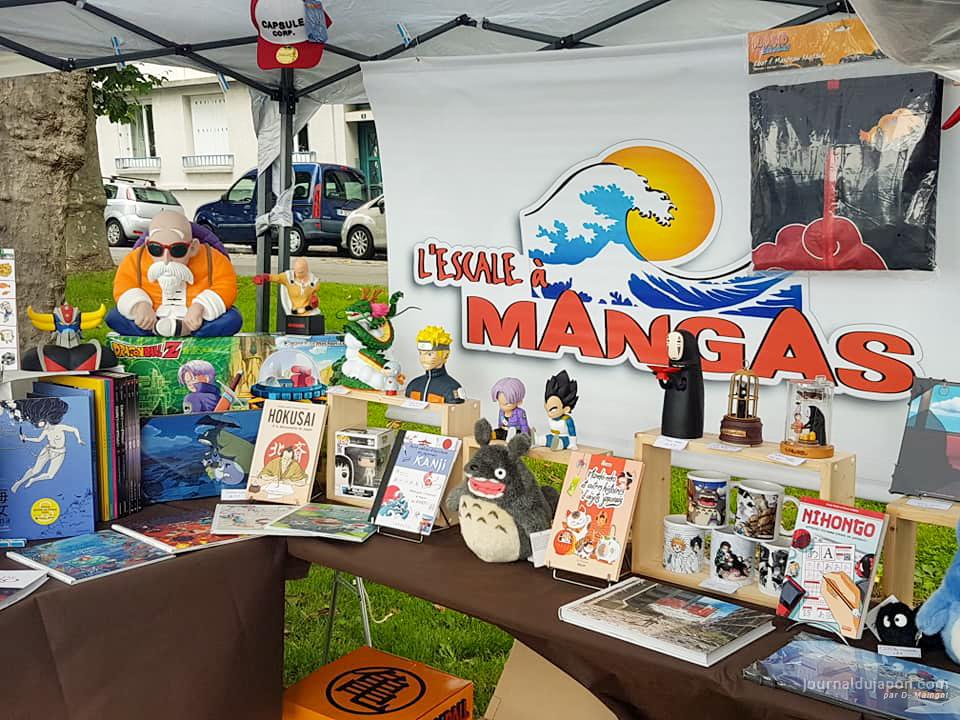 L'Escale à Mangas avec des livres et des goodies ©David Maingot pour Journal du Japon